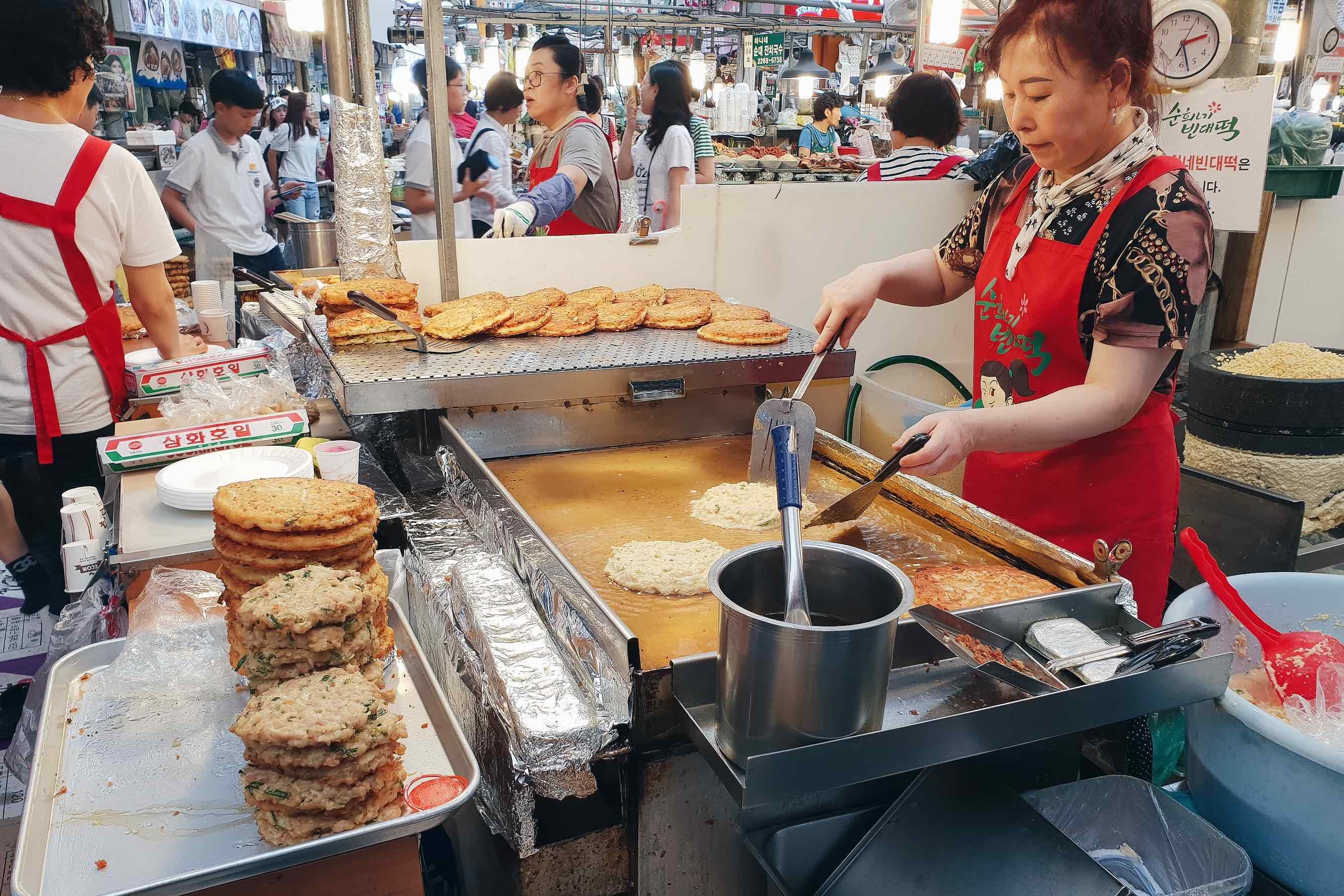 首爾美食|一次吃到所有韓國傳統小吃!便宜多樣的首爾廣藏市場광장시장